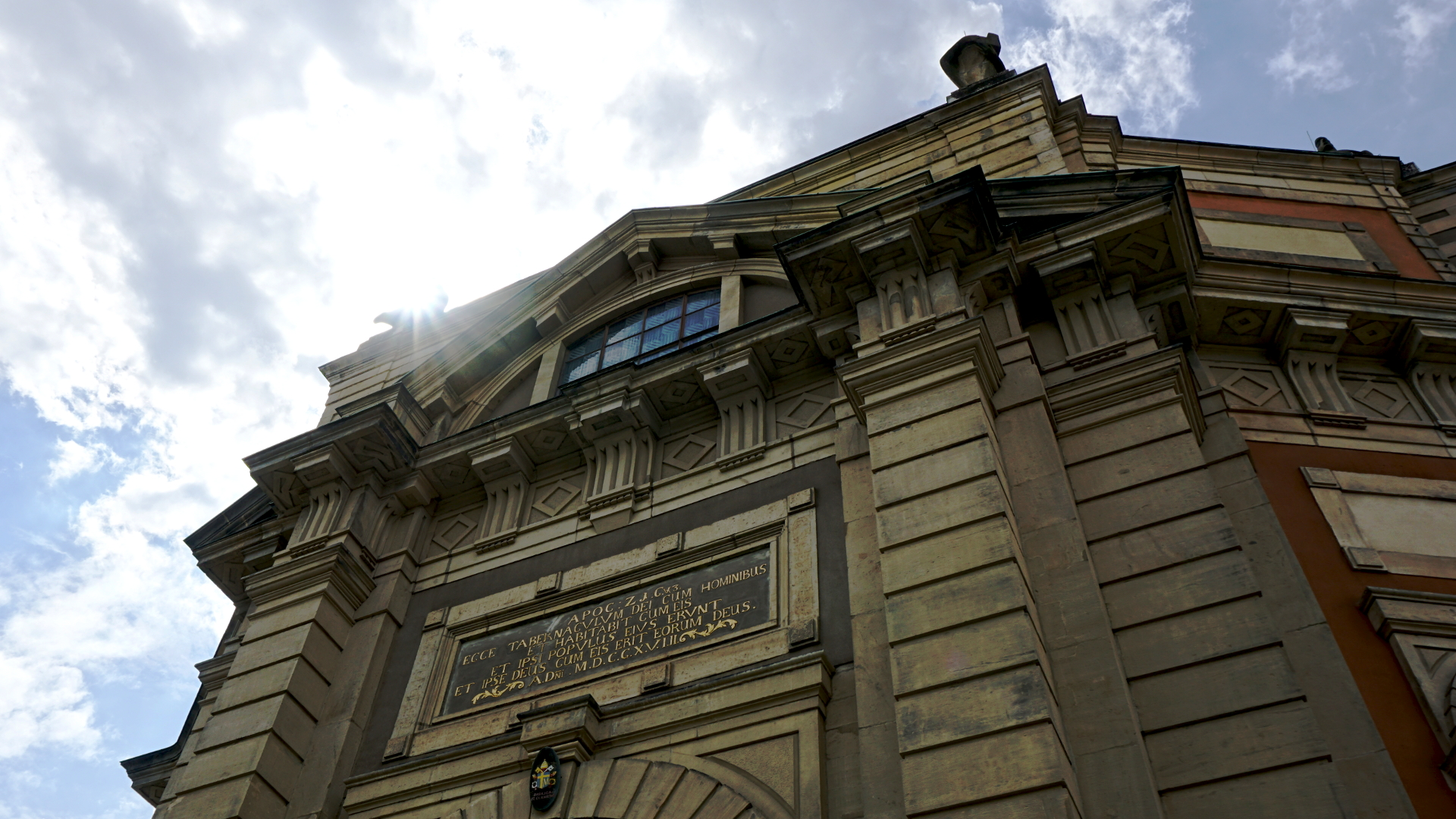 Kirchenfront von St. Clemens, Hannover — Experiment