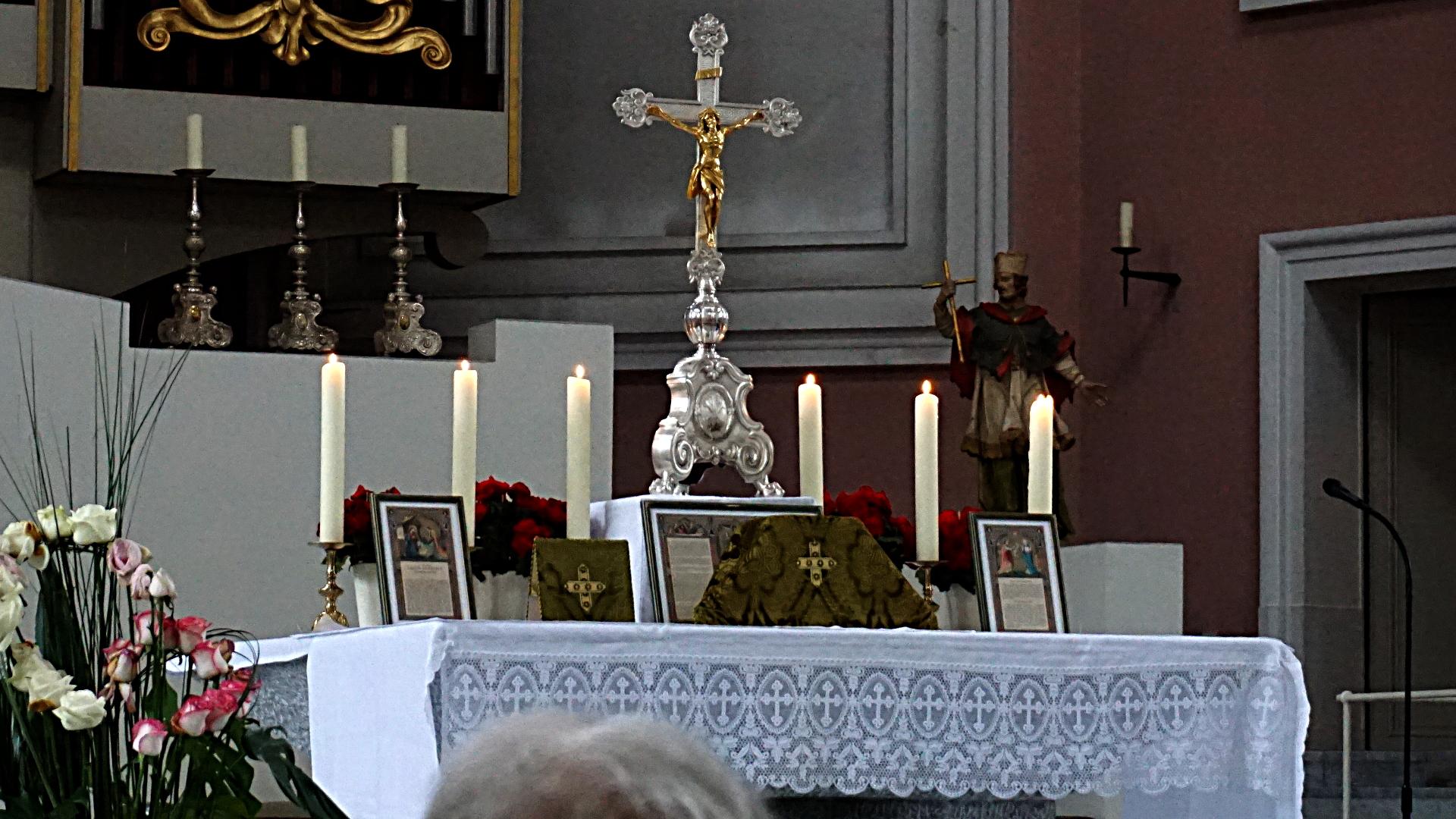 Altar vor der Tridentinischen Messe, St. Clemens, Hannover — Experiment
