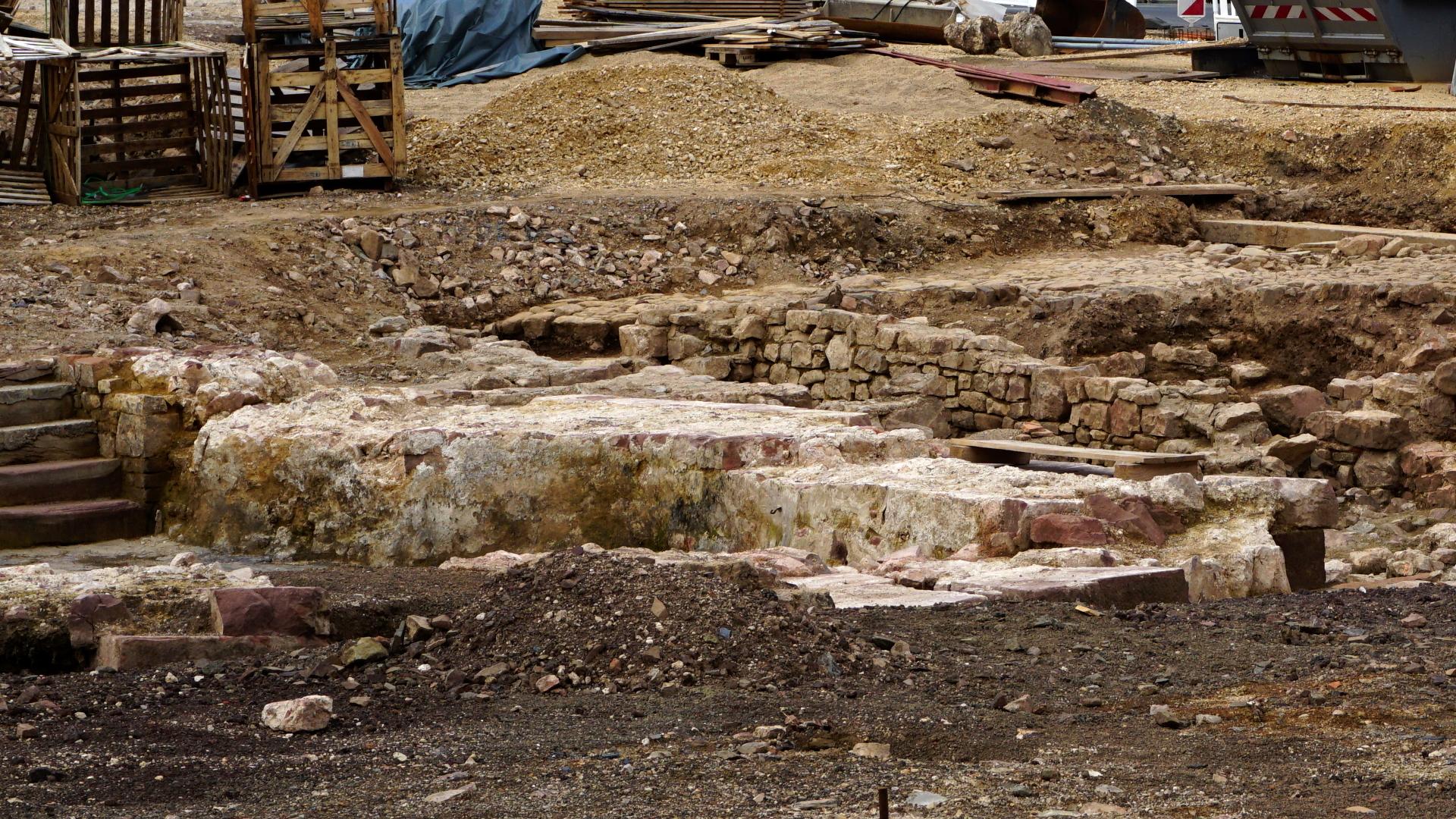 Ausgrabung der Abtsburg vor St. Salvator — Reichsabtei Prüm