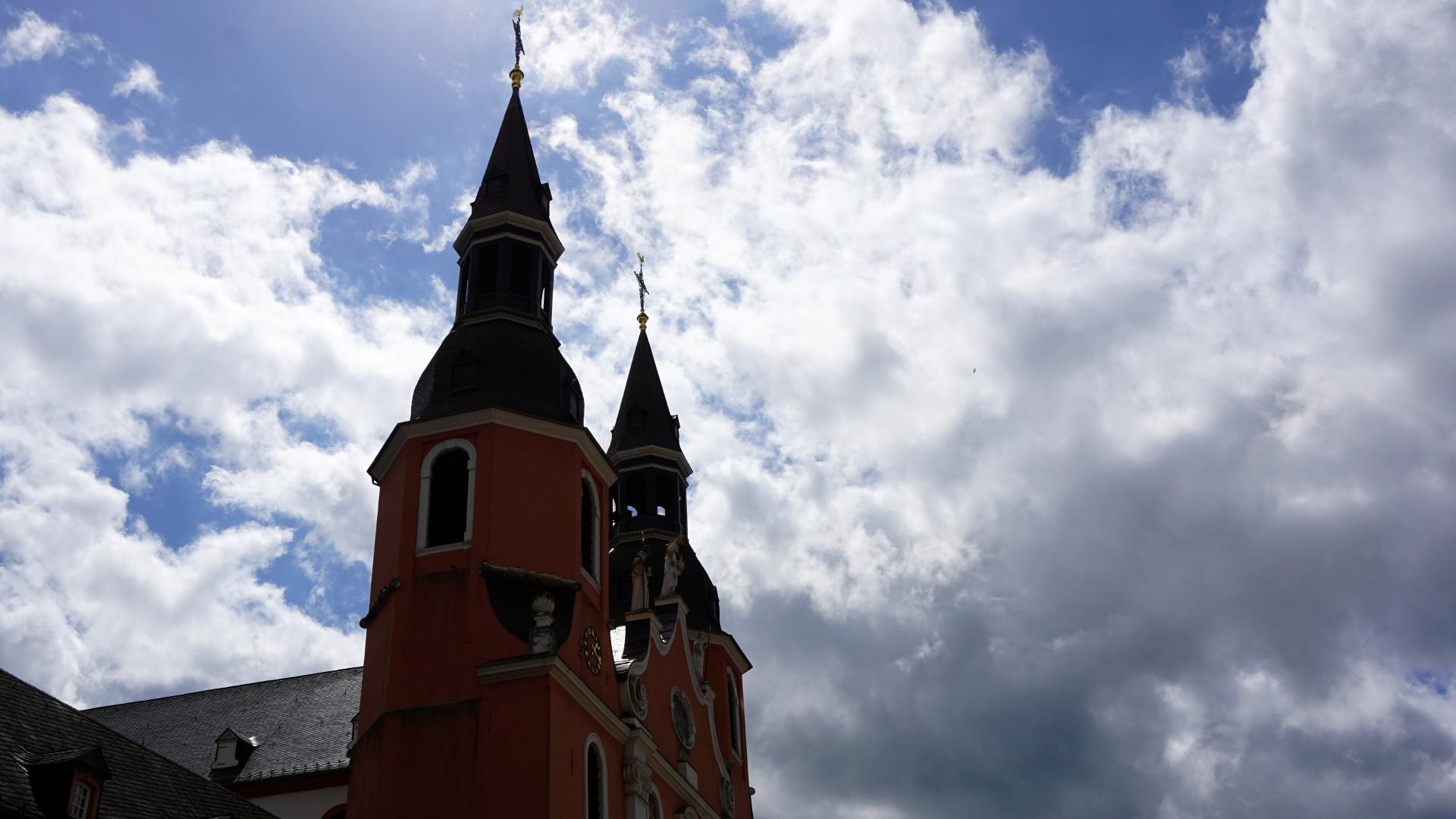 Prüm, eine Reichsabtei — Macht und Pracht eines Klosters