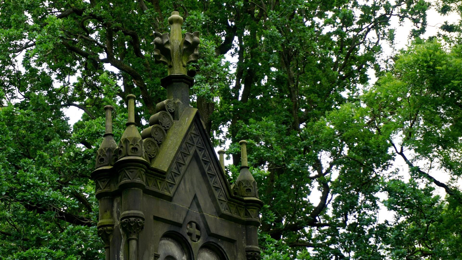 Grabmahl auf dem Friedhof — Gartenkirche