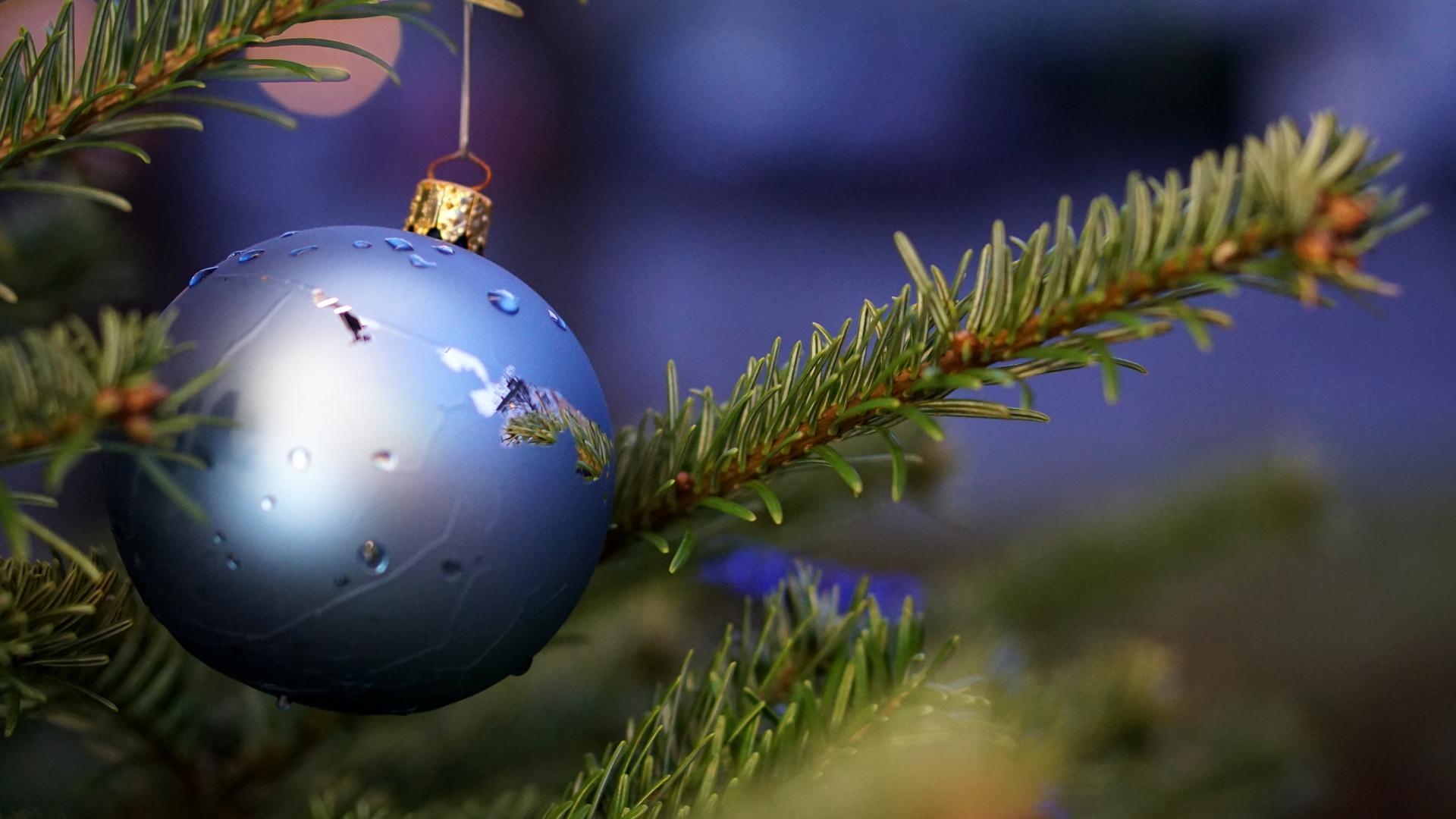 Kugel am Christbaum — Weihnachten 2017